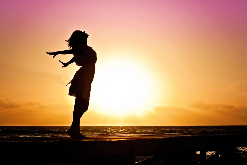 woman-happiness-sunrise-silhouette-40192-1024×683